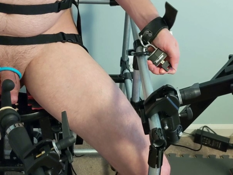 Bondage Chair Escape
